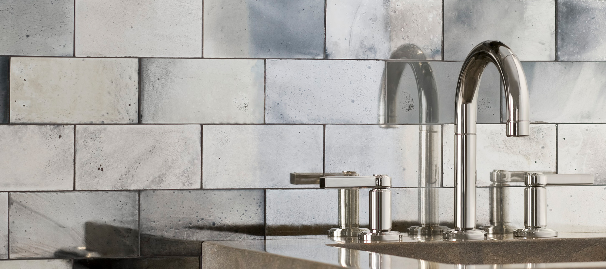 Vir Stil Minimal By Laura Kirar Pull Down Kitchen Faucet P23071 00 Kitchen Faucets Kallista Kallista